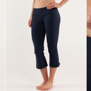 Lululemon Blue Gather & Crow Crop 4